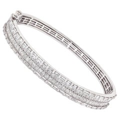 6.20 Carat White Diamond Modern Bracelet