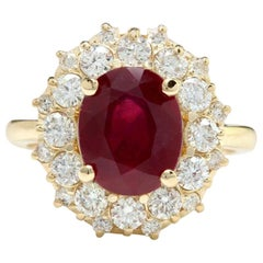 6.30 Carat Impressive Red Ruby and Diamond 14 Karat Yellow Gold Ring
