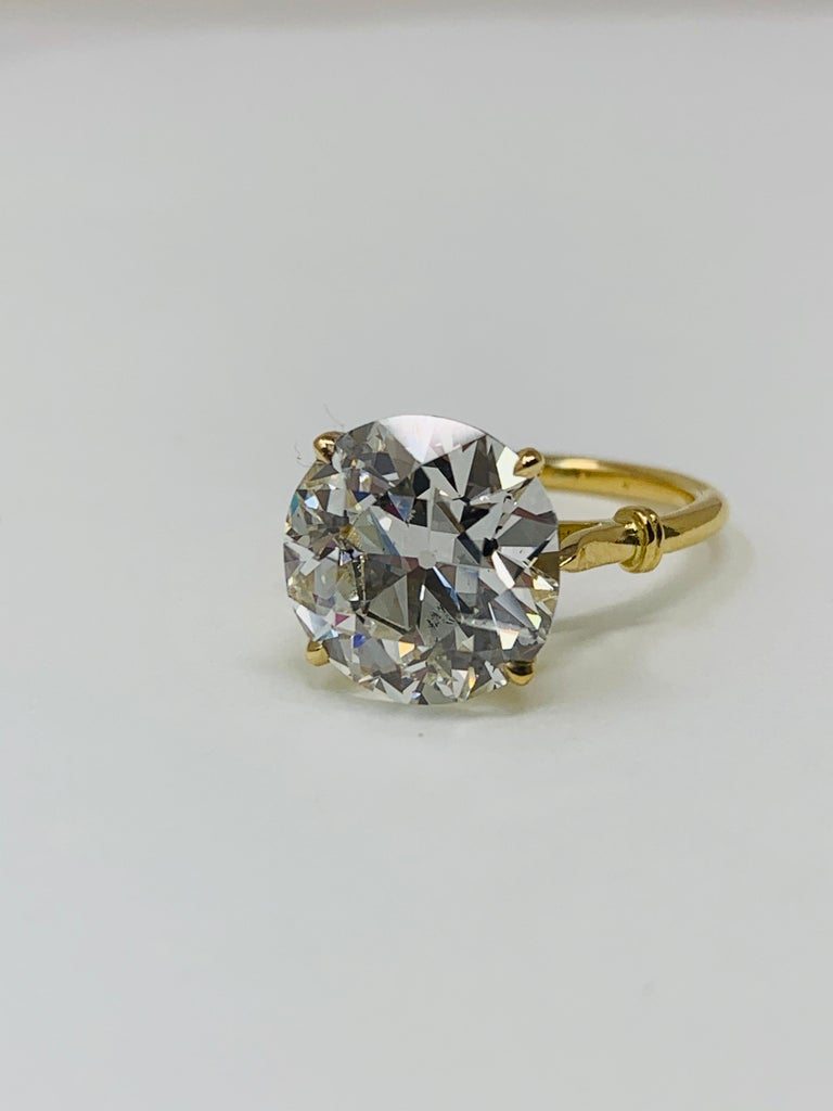 Contemporary 6.34 Carat Old European Cut Diamond Ring in 18 Karat Gold, GIA Certified For Sale