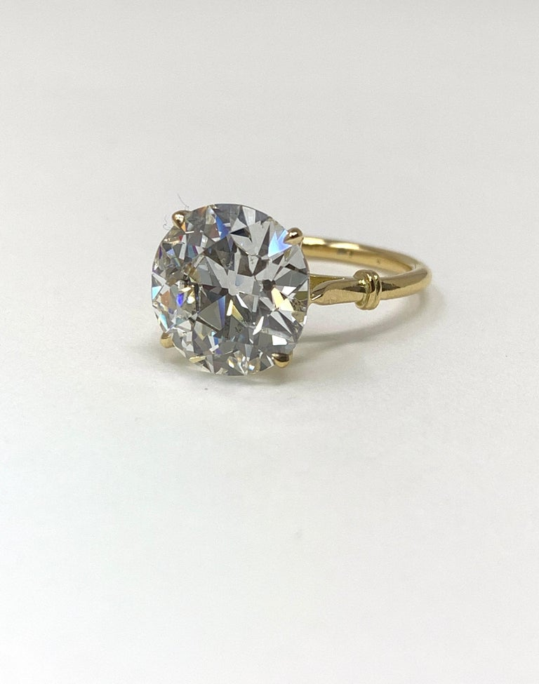 6.34 Carat Old European Cut Diamond Ring in 18 Karat Gold, GIA Certified In New Condition For Sale In New York, NY
