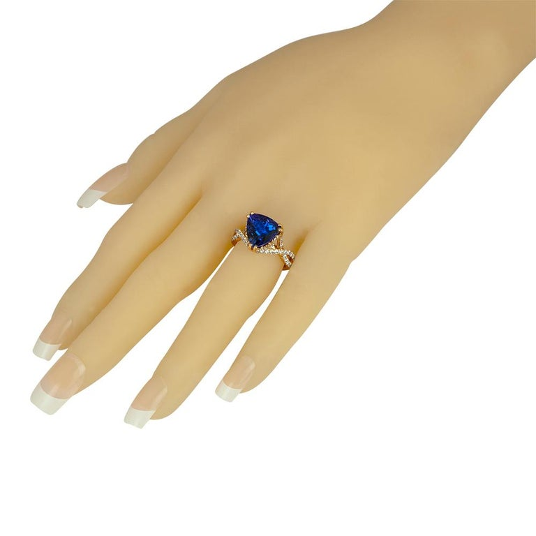 6.34 Carat Trillion Cut Tanzanite Diamond Rose Gold Ring In New Condition For Sale In New York, NY