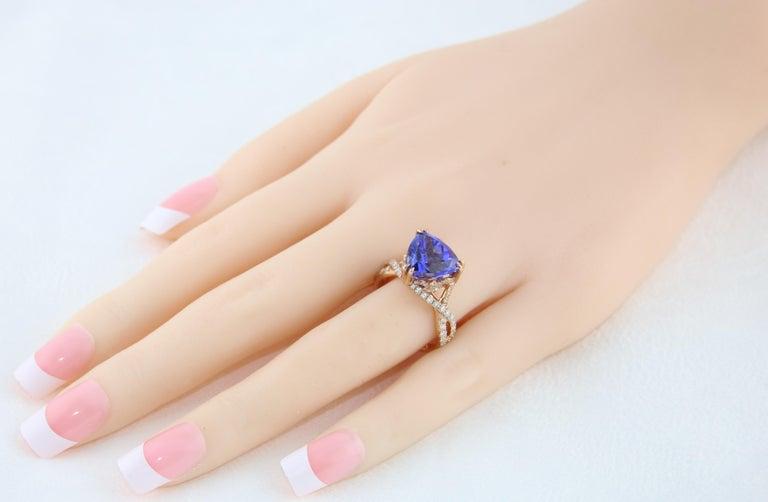 Women's 6.34 Carat Trillion Cut Tanzanite Diamond Rose Gold Ring For Sale