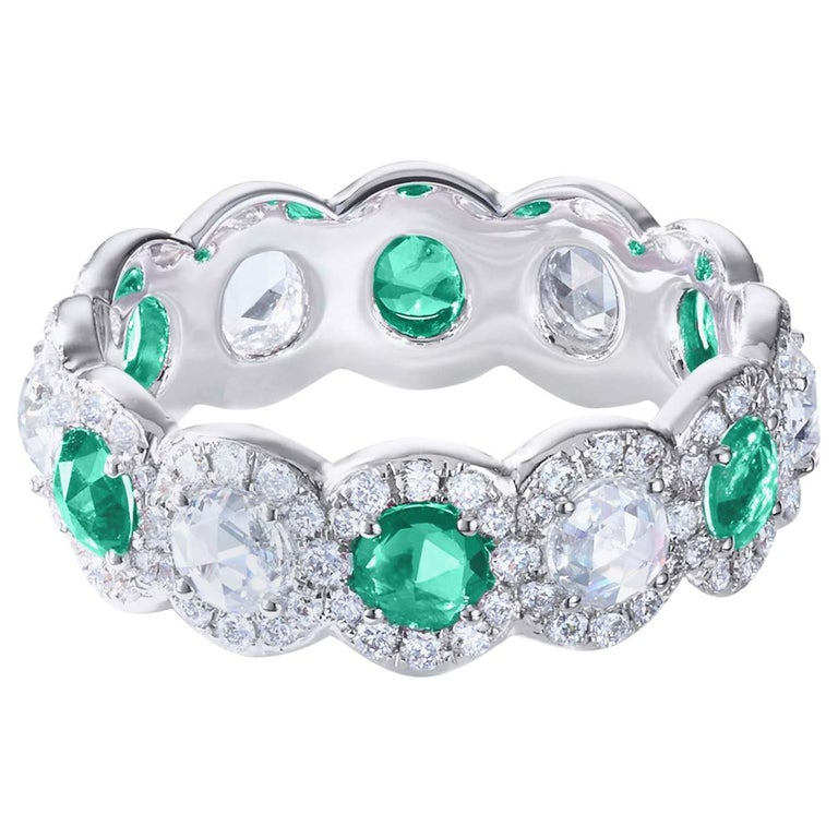 64 Facets 2 Carat Emerald and Diamond Ring in 18 Karat White Gold For Sale