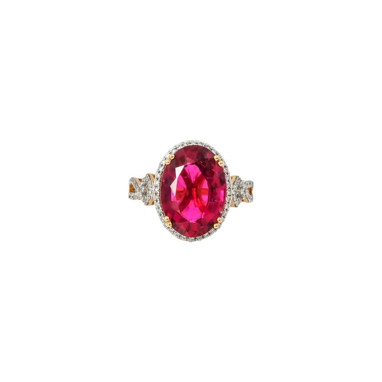 This collection of rings features the most radiant rubelites. These gemstones show a magnificant and regal deep red colour, and the yellow gold and diamond accents makes these pieces a true show stopper.   Classic rubelite ring in 18K yellow gold