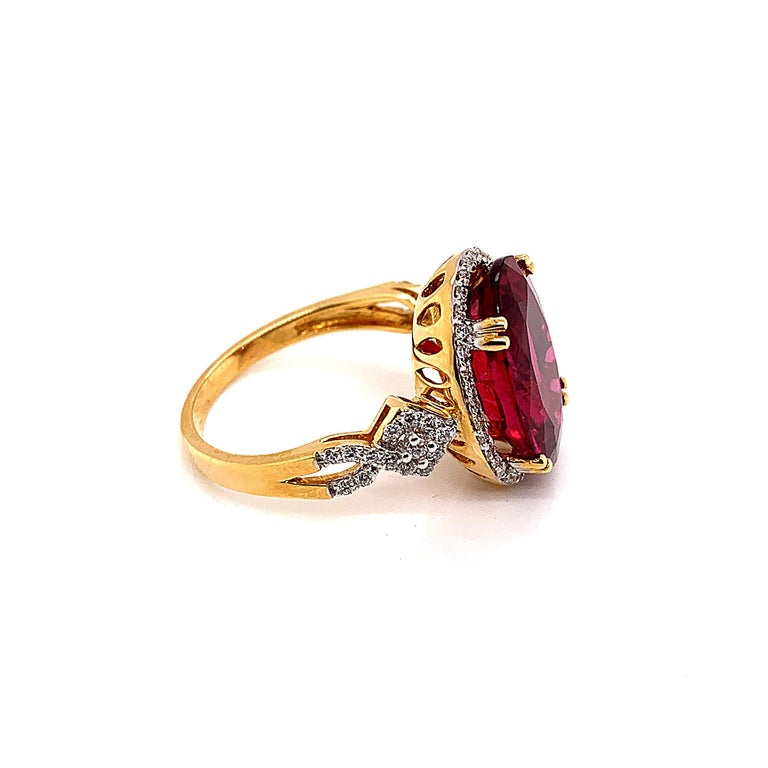 6.46 Carat Oval Shaped Rubelite Ring in 18 Karat Yellow Gold with Diamonds In New Condition For Sale In Hong Kong, Kowloon