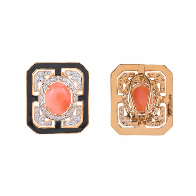 Contemporary 6.49 Carat Coral Diamond and Black Enamel 18 Karat Yellow Gold Stud Earrings For Sale