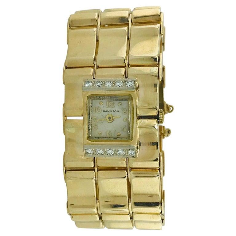 .65 Carat Diamond Ladies Vintage Dress Watch 14 Karat Yellow Gold, circa 1950 For Sale