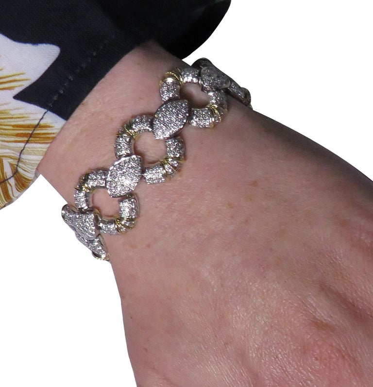 6.5 Carat Diamond Pave' Bracelet In Good Condition For Sale In Miami, FL