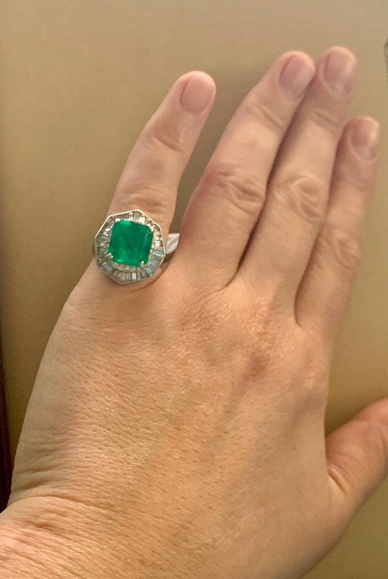 6.5 Carat Emerald Cut Colombian Emerald and 2.4 Carat Diamond Ring Platinum For Sale 7