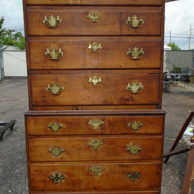 6.5 Late 19th Century English George III Graduated Chest of Drawers For Sale 1