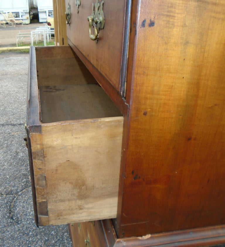 6.5 Late 19th Century English George III Graduated Chest of Drawers For Sale 4