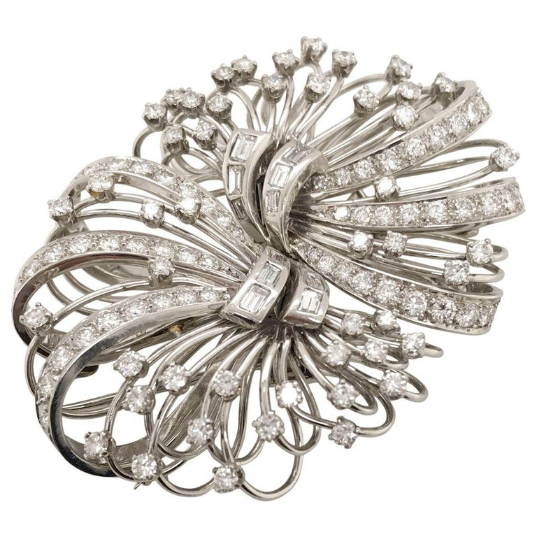 This piece is so stylish, it can be worn several ways which adds to its beauty. I love versatile jewellery it gives you so many options. For example, this style can be worn as a brooch on a beautiful winter coat or as a hairpiece for a special