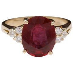 6.50 Carat Impressive Red Ruby and Diamond 14 Karat Yellow Gold Ring