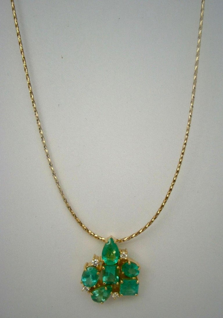 6.50 Carat Natural Colombian Emerald Diamond Cocktail Pendant 18 Karat In New Condition For Sale In Brunswick, ME