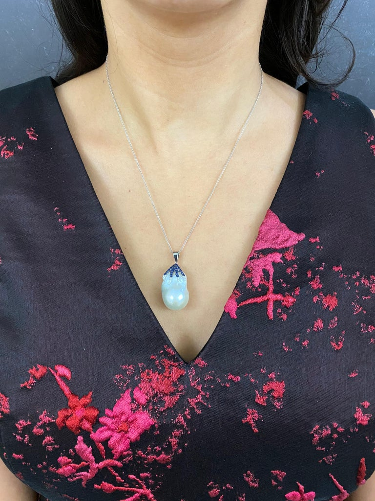 Contemporary 6.58 Carat Pearl, Blue Sapphire, and White Diamond Pendant Necklace 18K Gold For Sale