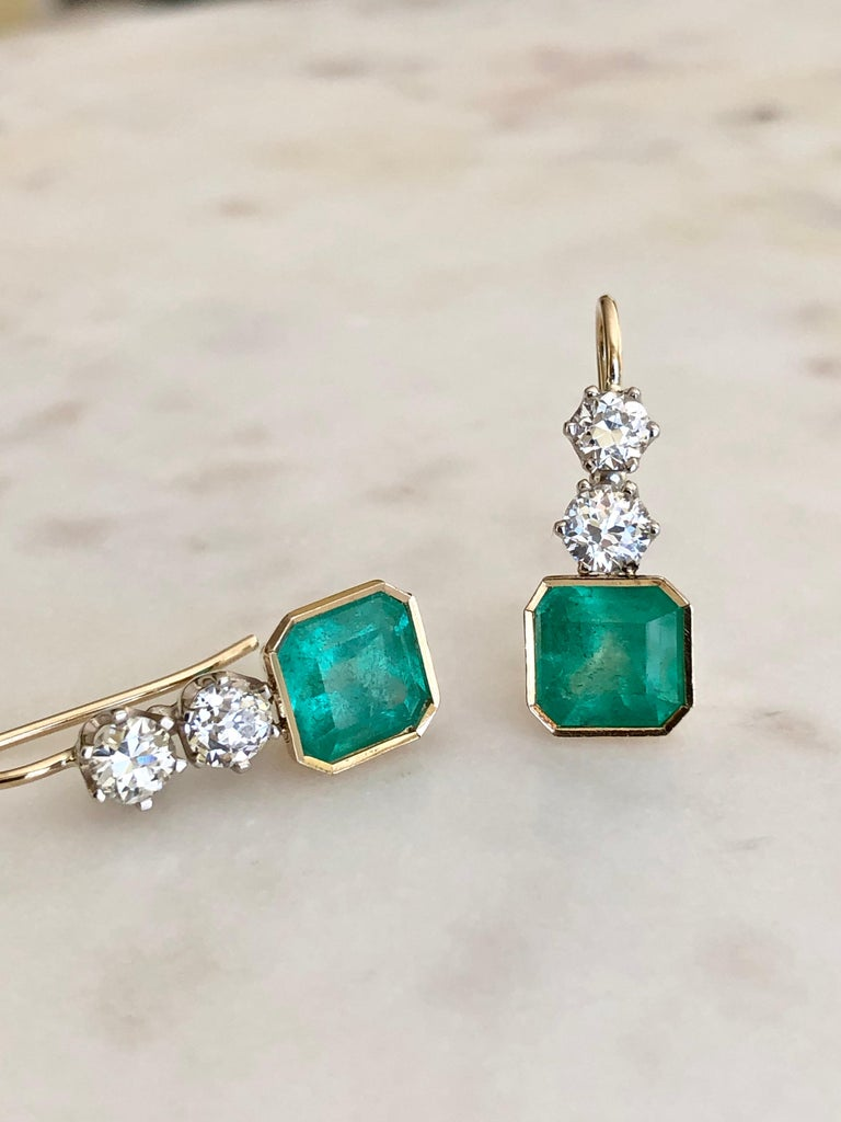 6.60 Carat Colombian Emerald and Old European Diamond Dangle Earrings For Sale 4