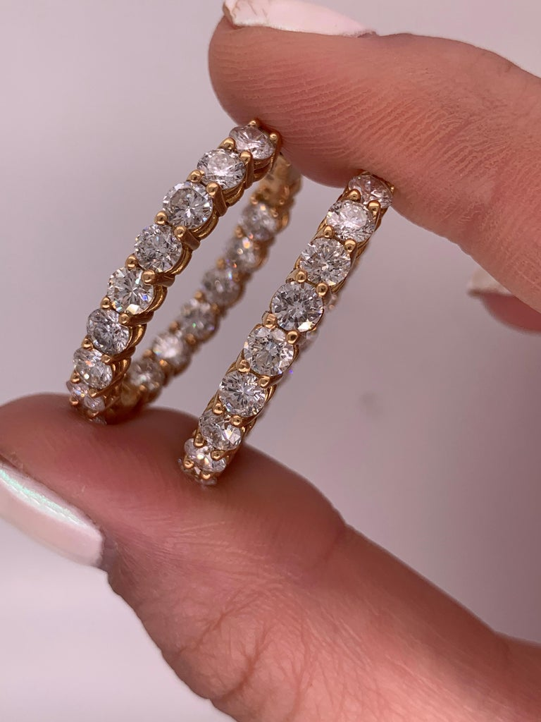 6.60 Carat Yellow Gold Diamond Hoops, 0.25 Each Stone In New Condition For Sale In New York, NY