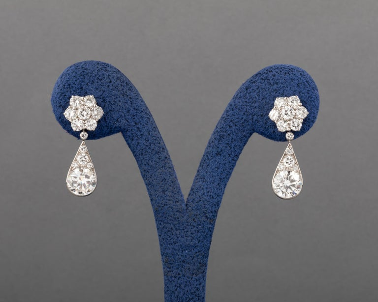 6.60 Carat Diamonds French Art Deco Earrings For Sale 1