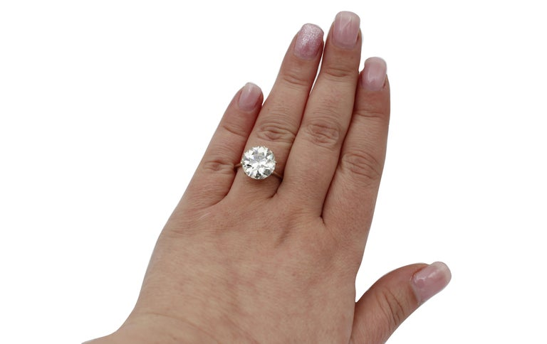 6.60 Ct Diamond, 18kt White Gold Solitaire/Engagement Ring In Excellent Condition For Sale In Marcianise, Marcianise (CE)