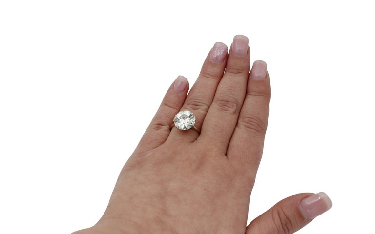 6.60 Ct Diamond, 18kt White Gold Solitaire/Engagement Ring For Sale 1