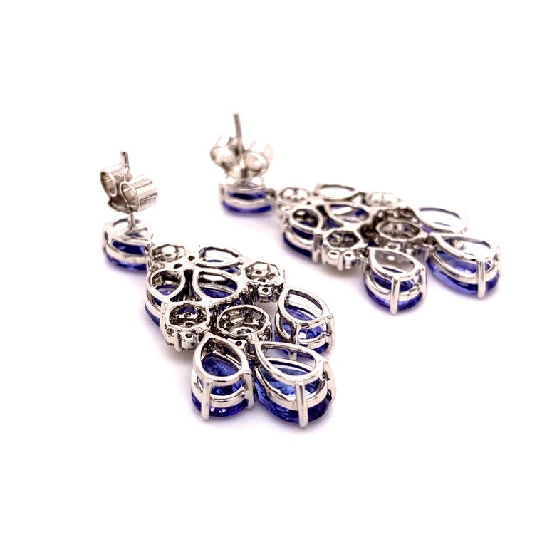 66.36 Carat Tanzanite Necklace Earrings Set For Sale 1