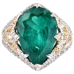 Laviere 6.67 Carat Colombian Emerald and Diamond Cocktail Ring