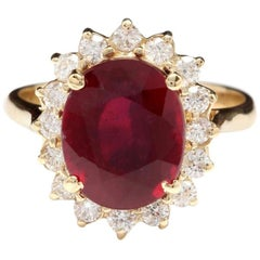 6.70 Carat Impressive Red Ruby and Natural Diamond 14 Karat Yellow Gold Ring