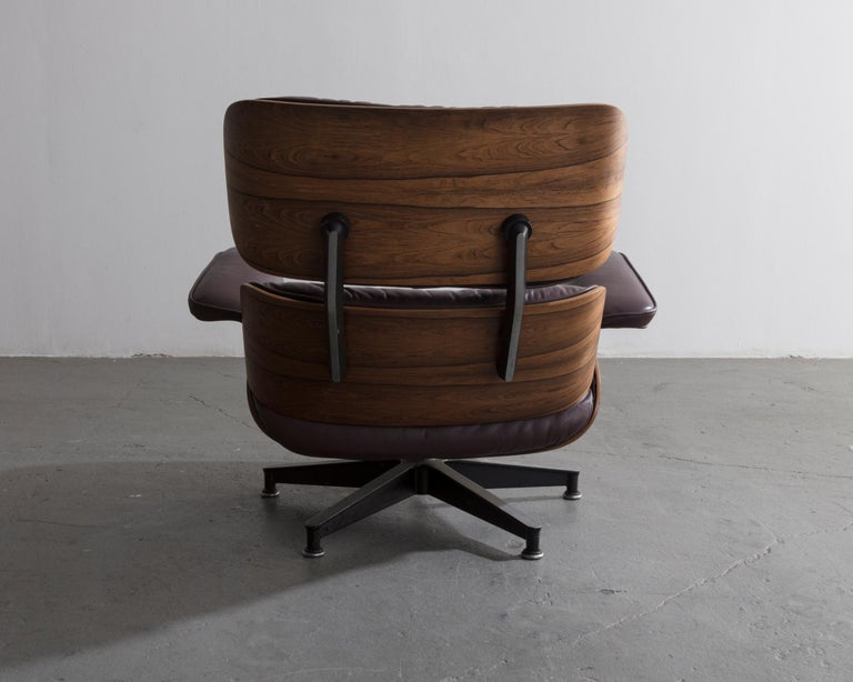 Late 20th Century 670 Lounge Chair & Ottoman in Rosewood & Leather by Charles and Ray Eames, 1958 For Sale