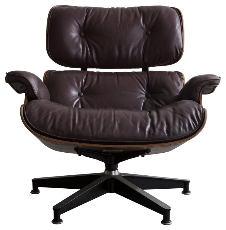 670 Lounge Chair & Ottoman in Rosewood & Leather by Charles and Ray Eames, 1958 For Sale