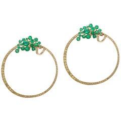 6.72 Carat Emerald Yellow Sapphire 18 Karat Yellow Gold Hoop Earring