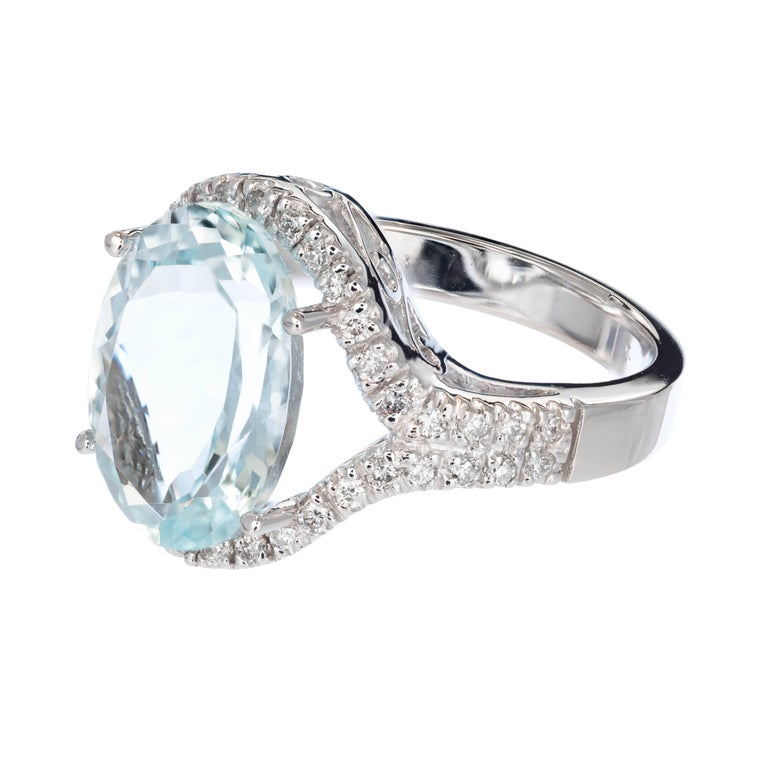 Oval Cut 6.75 Carat Bright Green Blue Aquamarine Diamond Halo Gold Cocktail Ring For Sale