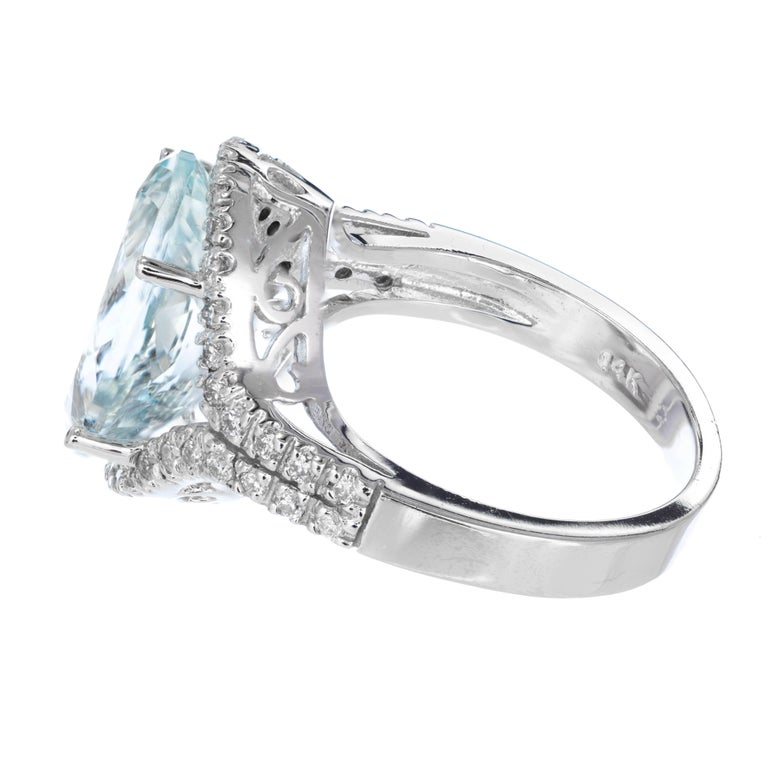 6.75 Carat Bright Green Blue Aquamarine Diamond Halo Gold Cocktail Ring In Good Condition For Sale In Stamford, CT