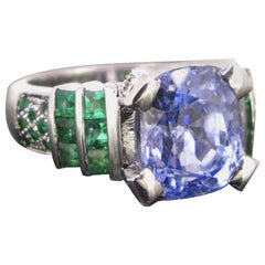 6.75 Carat Ceylon Sapphire and Emerald Ring, 18 Karat White Gold