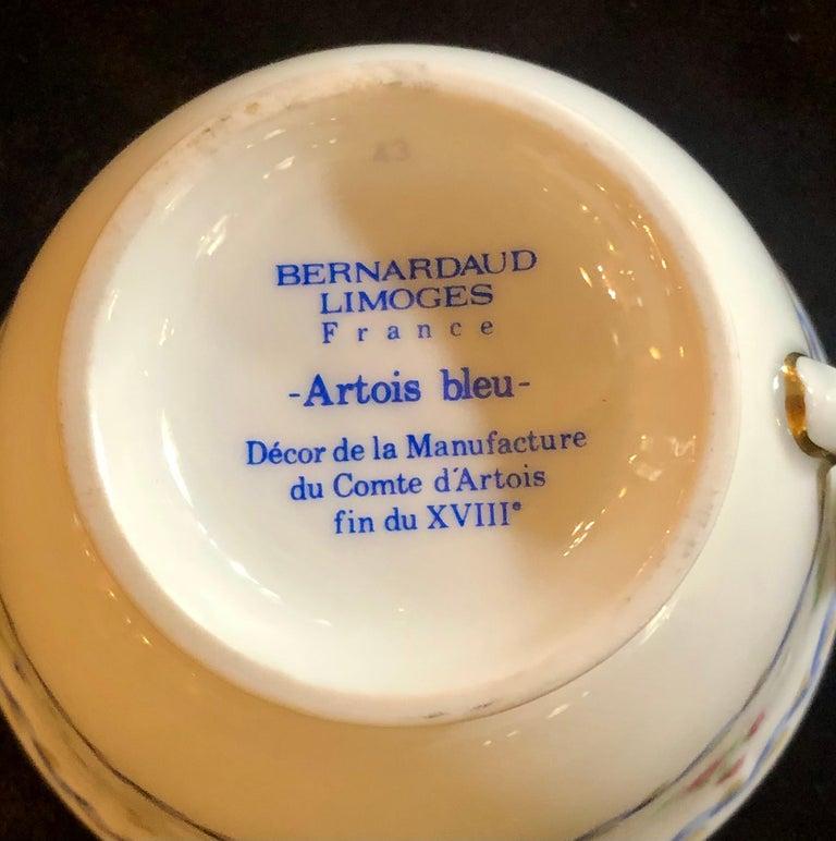 69-Piece Bernardaud Limoge Artois Bleu Dinnerware For Sale 9