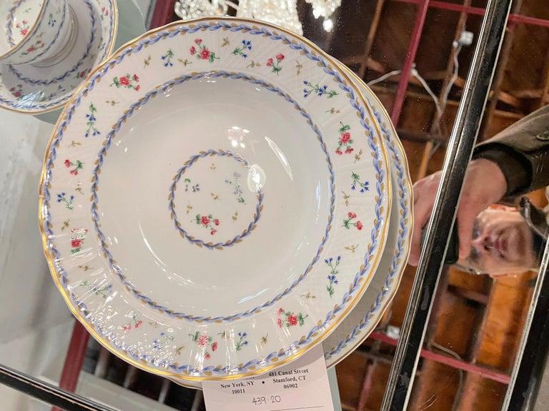 69-Piece Bernardaud Limoge Artois Bleu Dinnerware For Sale 10