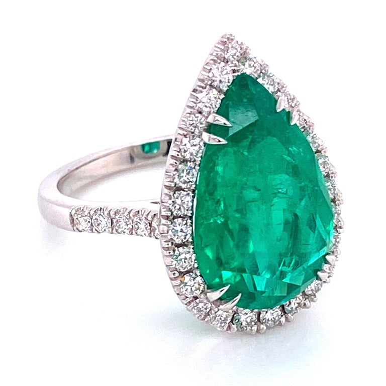 Pear Cut 6.96 Carat Emerald and Diamond Gold Cocktail Ring Fine Estate Jewelry For Sale