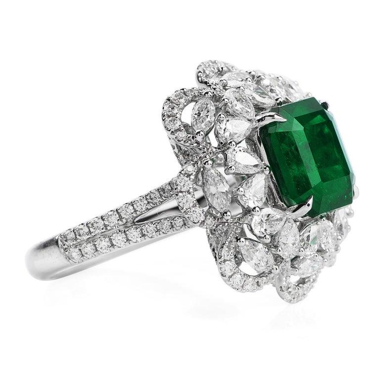 Modern 6.96 Carat Colombian Emerald Diamond 18 Karat Gold Large Cocktail Ring For Sale