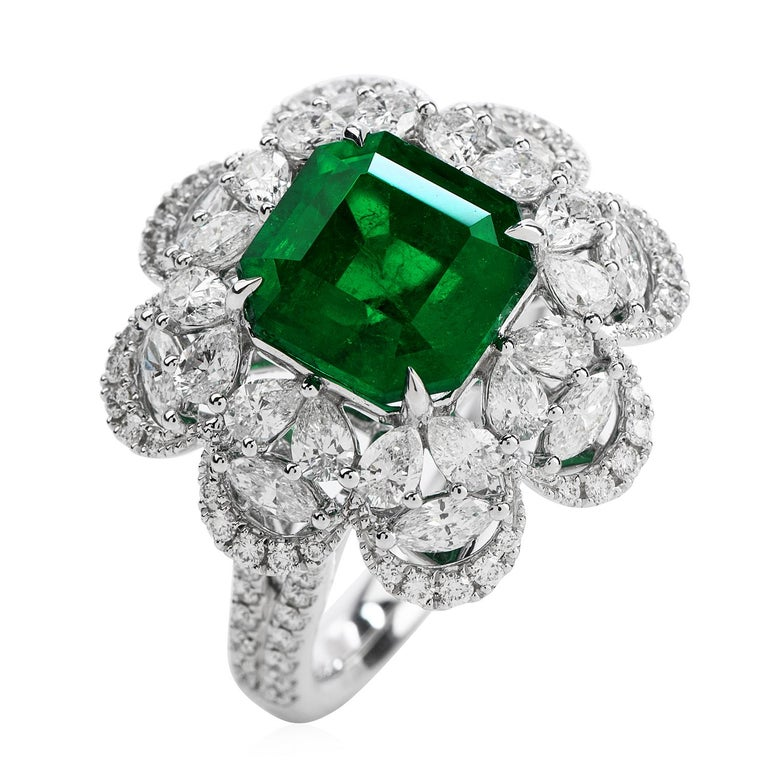 6.96 Carat Colombian Emerald Diamond 18 Karat Gold Large Cocktail Ring In New Condition For Sale In Miami, FL