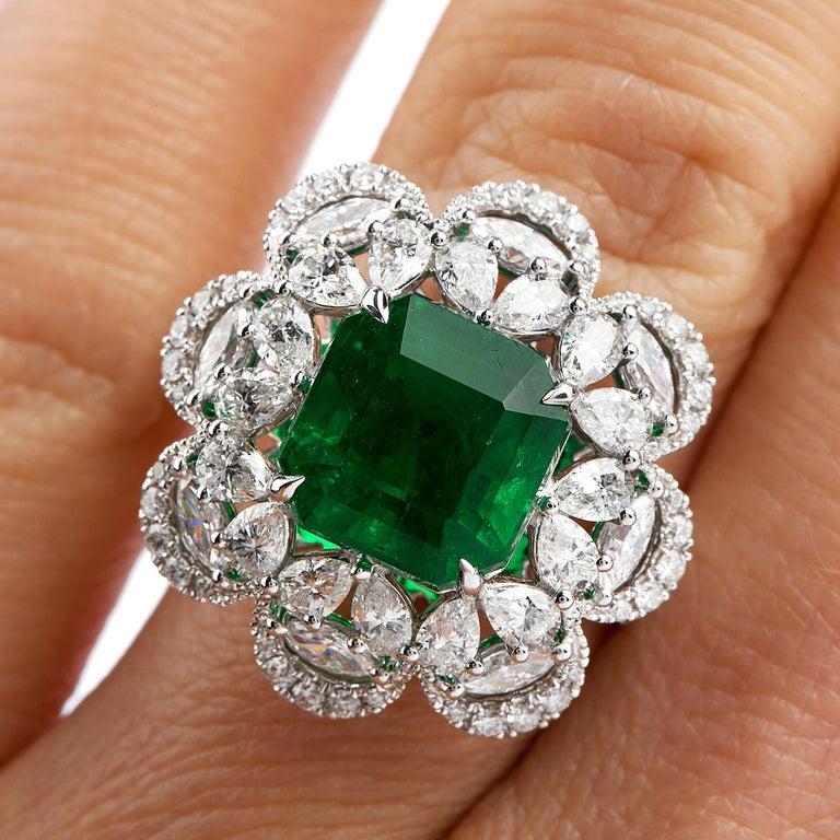 Women's or Men's 6.96 Carat Colombian Emerald Diamond 18 Karat Gold Large Cocktail Ring For Sale