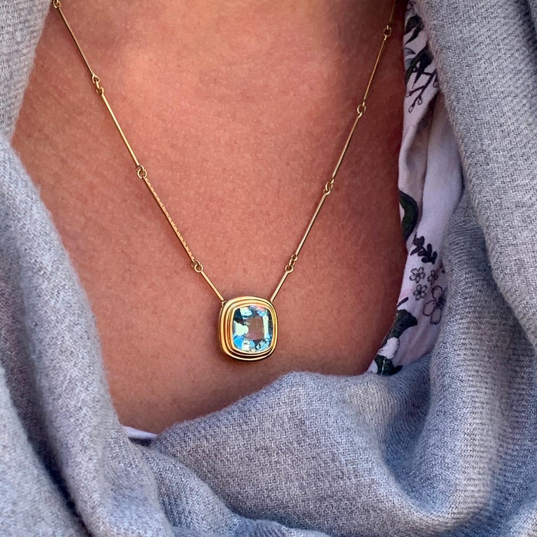 6.97 Carat Cushion Cut Aquamarine Necklace, 5 Band Gold Ring Suite For Sale 3