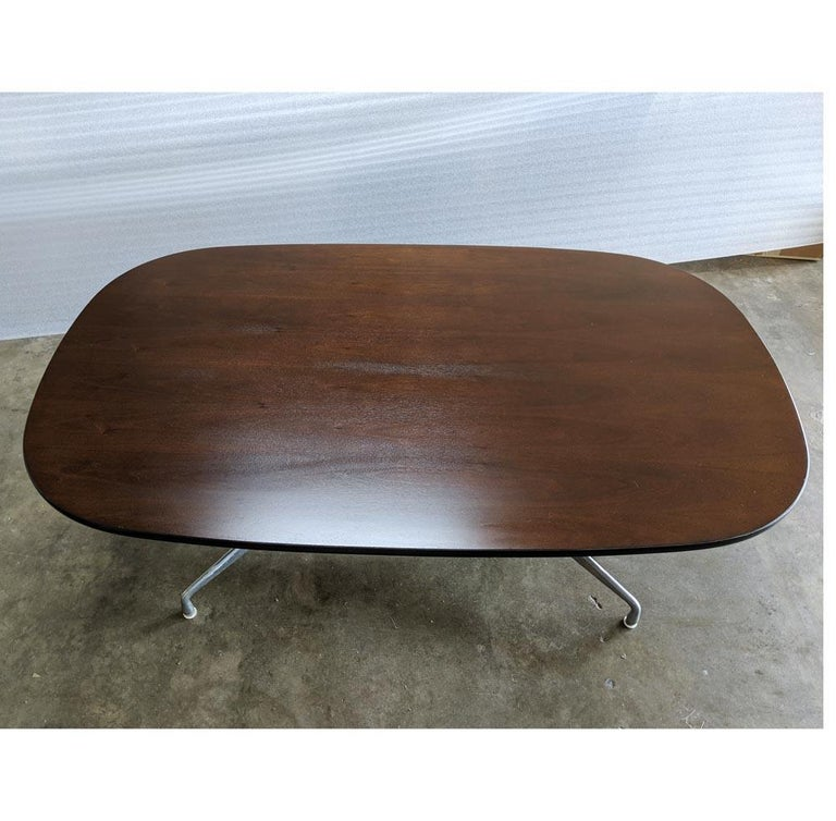Eames Herman Miller Walnut Conference Table In Good Condition For Sale In Pasadena, TX