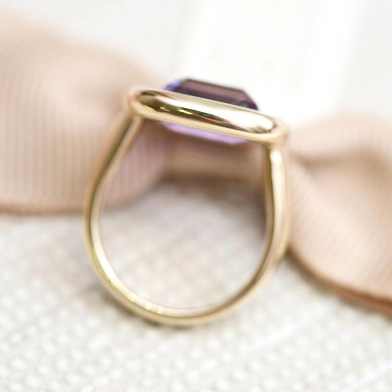 Cushion Cut 7 Carat Natural Brazilian Purple Amethyst 14 Karat Yellow Gold Ring For Sale