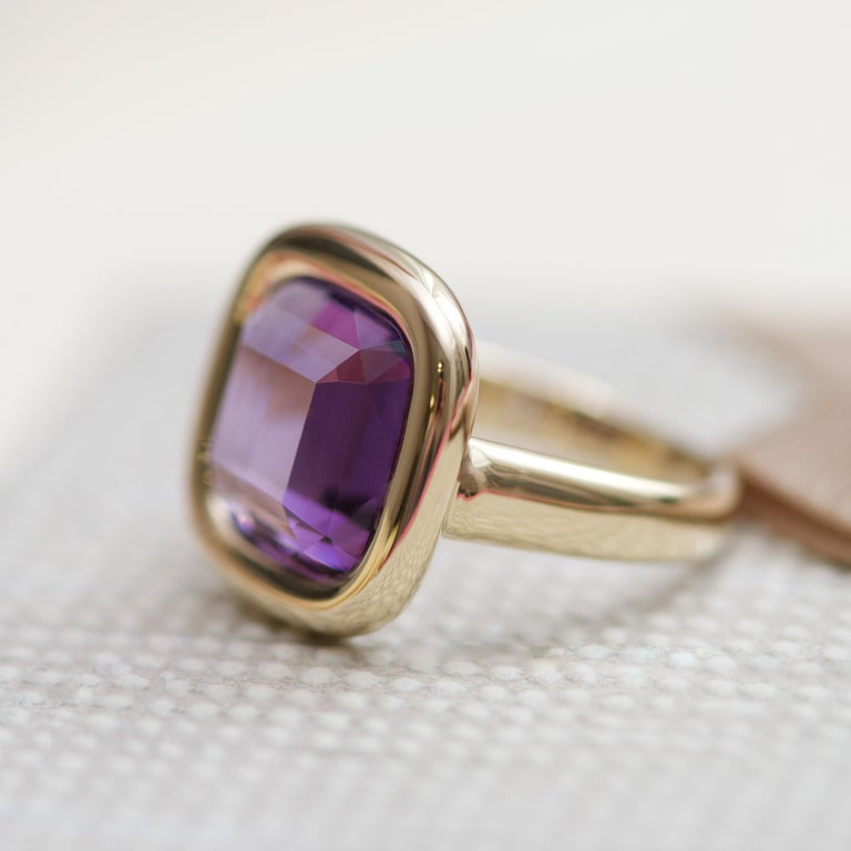 7 Carat Natural Brazilian Purple Amethyst 14 Karat Yellow Gold Ring For Sale 2