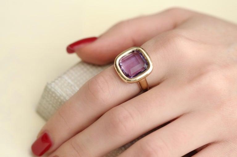 7 Carat Natural Brazilian Purple Amethyst 14 Karat Yellow Gold Ring For Sale 3