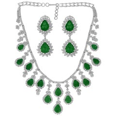70 Ct Pear Shape Emerald & 35 Ct Diamond Necklace & Earring Bridal Suite 18 K G