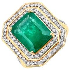 7.00 Carat Brazilian Emerald and Diamond 18 Karat Yellow Gold Cocktail Ring