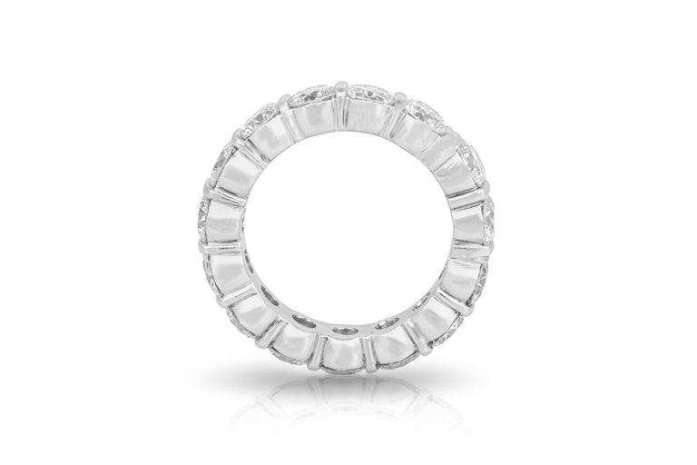 7.00 Carat Round Cut Diamond Eternity Band In Good Condition For Sale In New York, NY