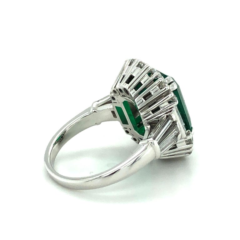 7.03 Carat Colombian Emerald and Diamond Ring in 18 Karat White Gold For Sale 1