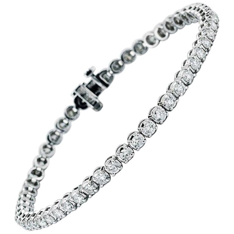 7.50 Carat Diamond Line Tennis Bracelet, in 18 Karat White Gold For Sale