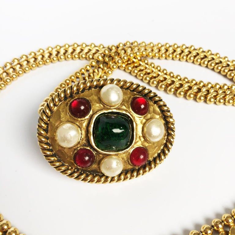Beige 70s Chanel Byzantine Chain Belt with Faux Pearl Red Green Poured Glass Buckle M For Sale